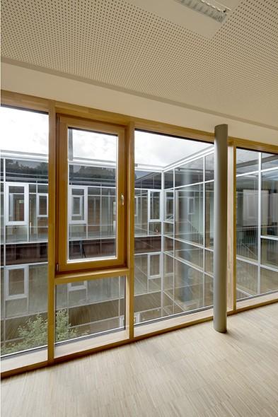 ecole emile bockstael bureau d 39 tudes bois. Black Bedroom Furniture Sets. Home Design Ideas